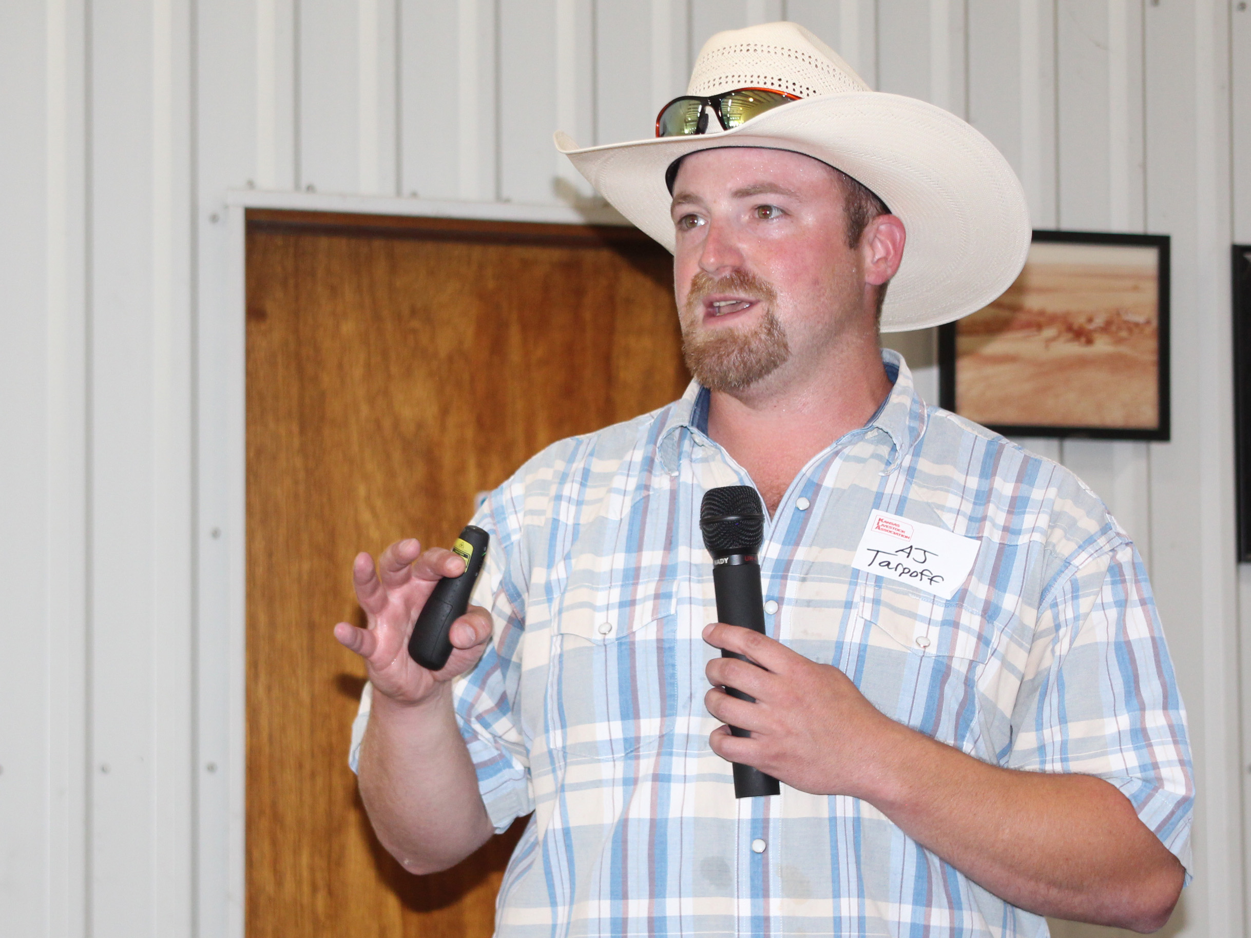 Ranchers Hear About External Parasite Management At Plains Field Day
